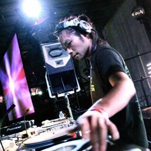 DJ WASHIKITA